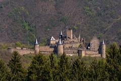 Burg Bourscheid, Luxemburg (thunderbird-72) Tags: diekirch castle luxembourg tamronaf70300mmf456divcusdif burg luxemburg ardennen bourscheid frühling château nikond7100 lu