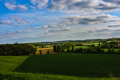 Le Gers (Nicolas4065) Tags: gers occitanie midipyrénées sudouest terre france champs agriculture agricol prairie bois forêt nuages ciel bleu bluesky europe