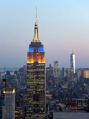 Old Charm (52er Bild) Tags: newyork manhattan nyc empirestatebuilding fuji x10 fujifilm udosteinkamp city topoftherock oneworldtradecenter
