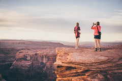 Sunset at the Horeshoe Bend (Robbi_An) Tags: usa arizona canyon horseshoebend glencanyon grandcanyon sony a7 zeiss55mmfef18 18 sonnartfe1855 nature people carlzeiss sonya7 page