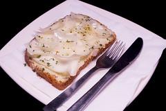 Restaurante Conde Garay -Tosta de paté de alcachofa y ajo con queso parmesano