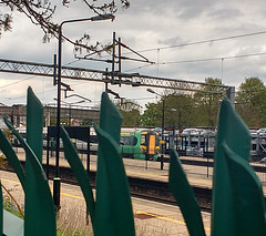 Through The Points (Tanllan) Tags: train railway railroad southern leighton buzzard class 377 emu