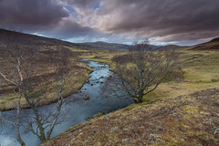 Strath Vaich. (Gordie Broon.) Tags: strathvaich strathabhathaich lubriach blackbridge aultguish scotland scottishhighlands rossshire landscape schottland paisaje scenery paysage ecosse caledonia alba escocia abhainn rio lubfearn gordiebroonphotography burn river trees march 2017 scenic scenario inchbaelodge scozia walk szkocja canon5dmklll canon1635f4l outdoor sky geotagged hills collines