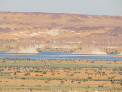 Ounianga Srir. Mirador sobre los lagos (escandio) Tags: lago chad desierto tchad 2013 serir ounianga ouniangaserir scchad