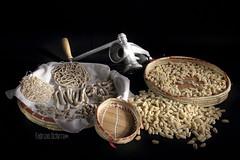 pasta fresca (Fabrizio Schirru) Tags: stilllife food lightpainting night mediterraneo pasta tradizione calasetta lucepittorica assaggidiluce