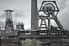 The old colliery (pentlandpirate) Tags: wheel mine head pit winding coal colliery chatterleywhitfield