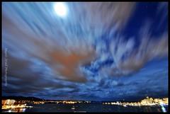 Full Moon in the bay (ANGELS ARALL) Tags: longexposure moon bay nikon luna full bahia nubes estrellas sant antoni exposicion llena d90 eivissaibiza
