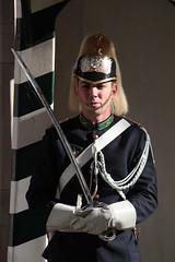 Armed Guard (Toni Kaarttinen) Tags: november autumn man fall portugal uniform lisboa lisbon helmet guard sword lissabon lisbonne lisbona portogallo lizbona portugalia portuglia portugali  lisabona lisszabon lisbono portugalio