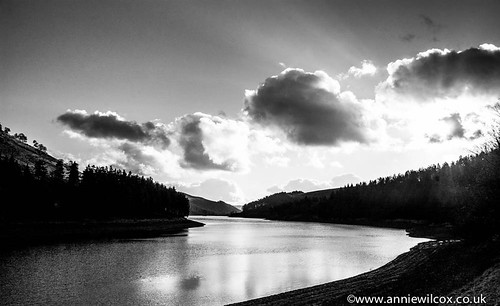 Late afternoon light over Howden Reservoir