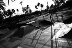 Solo Skate (David's_silvershots) Tags: usa hawaii maui gr ricoh keheimaui