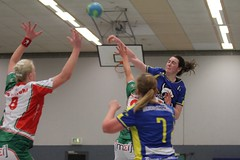 "VL2F Handball SG Überruhr 2. Frauen vs. NHC 1. Frauen 08.02.2014 009 • <a style=""font-size:0.8em;"" href=""http://www.flickr.com/photos/64442770@N03/12393613284/"" target=""_blank"">View on Flickr</a>"