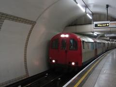 Baker Street Station (portemolitor) Tags: street london station train underground coach track baker stock tube bakerstreet 1973 recording 1960 cravens cityofwestminster