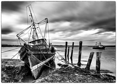 Barling (robert.french57 French Images) Tags: l1004446m e6 barling mono monochrome boats lowlight sunset essex bob robert french 57 leica m 240 sky fishing