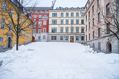 Covered by Snow. (bgfotologue) Tags: 城市 建築 2017 500px a72 bgphoto buildings cpl city cityscape color europe freeze housing ice image imaging landscape noon north outdoor photo photography polarizer snow sony stockholm street sweden tourist travel tumblr twilight winter bellphoto colorful 偏光鏡 冬 冰 北歐 攝影 斯德哥爾摩 旅行 旅遊 歐洲 民居 瑞典 瑞典議會 聖靈島 都市 雪 風光 風景