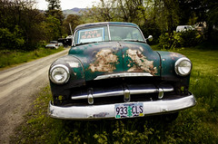 Plymouth For Sale (La Chachalaca Fotografía) Tags: car cocheauto automobile plymouth urban suburban machine forsale barato cheap rusted abandoned forgotten oublie olvidado nikon coolpix coolpixa