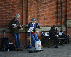 Skiffle lives on (JEFF CARR IMAGES) Tags: northwestengland urbanlandscapes towncentres groups ashtonunderlyne greatermanchester