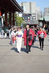 036A1038 (zet11) Tags: japan tokyo japanese younggirls couple folkcostumes kimono