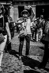 _DSF2093 (Antonio Balsera) Tags: bw bn plazamayor semanasanta gente madrid comunidaddemadrid españa es