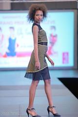 Salon national de la femme (photolenvol) Tags: femme palaisdescongres mode défilé fashionshow runways salondelafemme