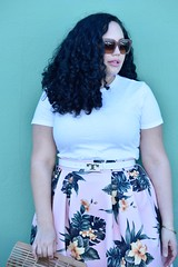 How to Wear Tropical Print When You Aren't on Vacation (GirlWithCurves) Tags: tropicalprint midiskirt girlwithcurves plussizestyle plussizefashion plussizeblog curlyhair taneshaawasthi