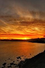 Atardecer imposible en Ceuta (anyera2015) Tags: ceuta canon canon70d atardecer nubes siluetas nublado playa mar