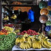 Le marchand de fruits et légumes, rue Sellaline, médina de Fès el Bali, Fès, Maroc.