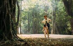 Angkor Commuter (rodrigocarabajal) Tags: fullframe a7ii a7m2 sonya7ii vollformat cambodia siem reap angkor environmentaportrait portrait