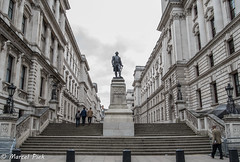 London 2017 - Statue of Clive (CapMarcel) Tags: clive london statue street view