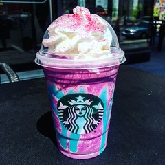 Starbucks Unicorn Frappuccino (Like_the_Grand_Canyon) Tags: drink unicorn frapp pink blue glitter sparkle sour mango sweet vanilla getränk usa us america united states amerika spring 2017 vacation traveling