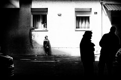 strange neighbourhood (Zlatko Vickovic) Tags: streetstreetphoto streetphotography streetphotographybw streetbw streetphotobw blackandwhite monochrome zlatkovickovic zlatkovickovicphotography novisad serbia vojvodina srbija