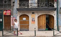 copenhagen (josefcramer.com) Tags: europe europa portugal lissabon lisboa lisbon menschen people urban street streetphotography leica m 240 rangefinder messsucher josef cramer flaneur city town colour stadtleben stadttmenschen summilux 24mm 50mm asph