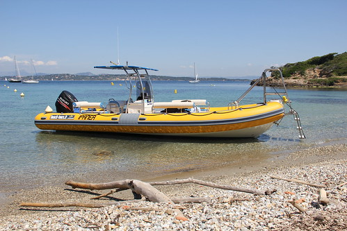 "Tour de Port Cros, juin 2013 • <a style=""font-size:0.8em;"" href=""http://www.flickr.com/photos/94453591@N07/9144586805/"" target=""_blank"">View on Flickr</a>"