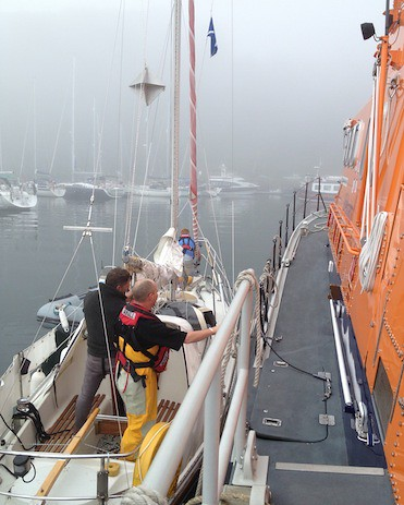 Tobermory lifeboat in shout in thick fog