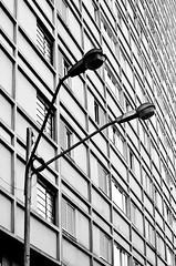 (Rei Santos) Tags: blackandwhite bw pb pretoebranco londrina urbanscapes geometria paisagemurbana urbanfragments urbanslices reisantos