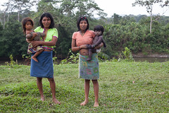 The Embera of Colombia (Christian Aid Images) Tags: rain forest canon colombia rights embera indigenous biodiversity indigenouspeoples