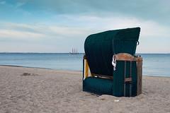 Am Morgen danach... (gin_able) Tags: balticsea ostsee segelschiff strandkorb hschen