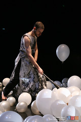2 Yon-costes-live-painting-ballons copy