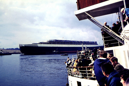 Launch of the QE2 River Clyde Sept 1967