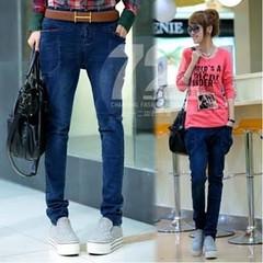 กางเกงยีนส์ สวย ด้วยกางเกงยีนส์ขายาวสไตล์สลิมฟิตแบบแฟชั่นเกาหลี เป็นกางเกงทำงานหรือใส่เที่ยวก็สวยมีเสน่ห์หรูหรา เกรดพรีเมี่ยมเนื้อผ้าใส่สบายเท่แบบสาวเกาหลี สวยงามพรีออเดอร์เลือกสวยทุกสไตล์ จะใส่เป็นสไตล์เสื้อผ้าเกาหลี กางเกงแฟชั่นก็สวยอินเทรนด์น่ามอง เข้า