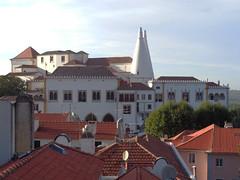Sintra, Portugal (cristina_lunares) Tags: palace palacio house casa chimenea chimney arquitectura architecture building edificio town pueblo