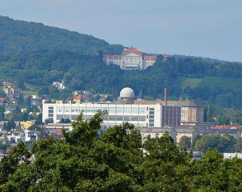 Schloss Wilhelminenberg above