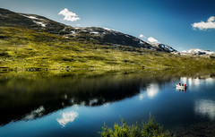 Søndre Lagervatnet, Grotli, Oppland, Norge (North Face) Tags: oppland norwegen norge norway nature mountain lake outdoors landscape scenics water summer blue sky reflection beauty europe greencolor grass tranquil snow mountains canon eos 5d mark iii 5d3 24105l