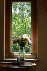 window in a pub (Hayashina) Tags: cotswolds window pub hww england