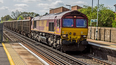 66056 (JOHN BRACE) Tags: 1998 gmemd london canada built co class 66 loco 66056 seen horley english welsh scottish livery passing 1115 empty stone train from crawley foster yeoman acton yard running time