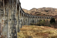 glenfinnan viaduct (anna n rob) Tags: glenfinnan scotland viaduct train concrete bridge railway track lochshiel harrypotter westhighland highlands fortwilliam mallaig station 21 semicircular arc parapets famous movie film