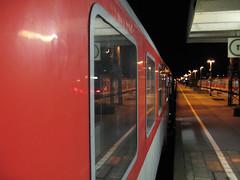 2008-03-08-0007.jpg (Fotorob) Tags: allesmobiel spoorwegstation rijtuig spoorwegmaterieel spoorweg travel treinreizen duitsland nordrheinwestfalen perronoverkapping transport deutschland germany emmerich
