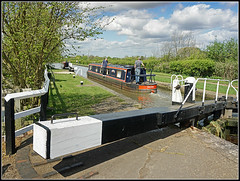 Whlton Locks activity (Jason 87030) Tags: guc grandunioncanal leisure boats narrowboat people sunny april 2017 whiltonlocks northants northamptonshire water towpath canalside craft titania sky weather weekend