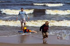 Photodepatricklevesque_I7D_0192.jpg (patrick_levesque) Tags: boogieboard famillelevesque lacsaintjean plage vagues