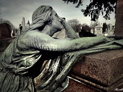 Cimetière de Laeken_20170313_114652 (Sleeping Spirit) Tags: cimetière cemetaries laeken cemetary