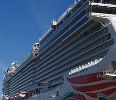 Norwegian Joy-4 (Tanja-Milfoil) Tags: cruiseship picture foto milfoil tanja kreuzfahrtschiff meyerwerft norwegianjoy